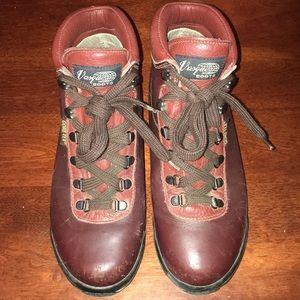 Vasque Gore-Tex skywalk boot 7995